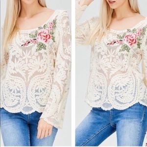 Tops - Lace Long Sleeved Floral Top